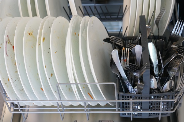 This image has an empty alt attribute; its file name is whirlpool-dishwasher-not-cleaning.jpg